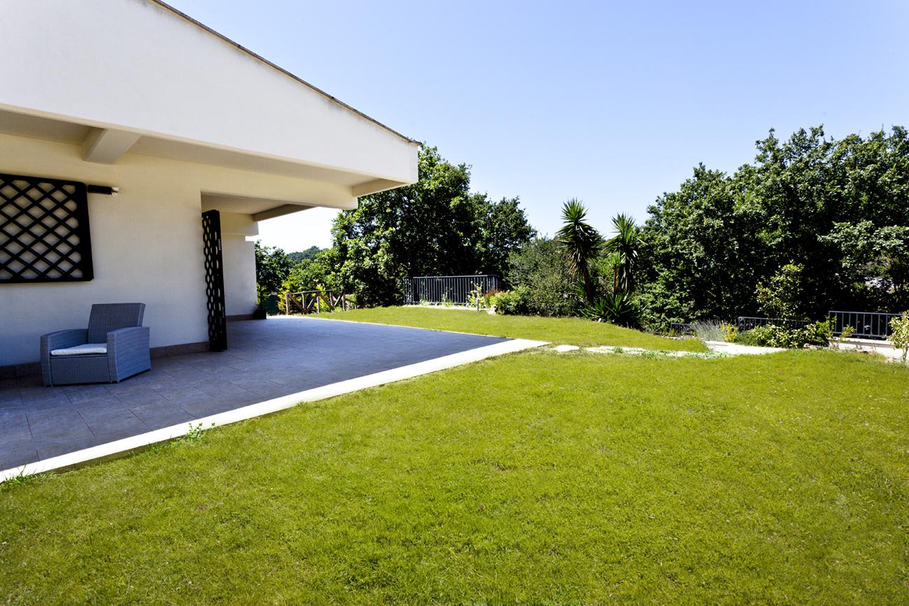 Aranova patio and garden