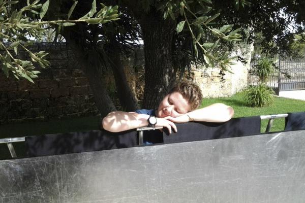 Vikki Ellis resting on California sun bounce